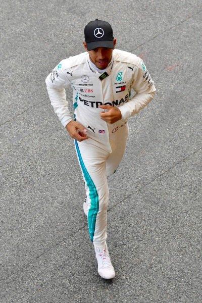 Race winner Lewis Hamilton (GBR) Mercedes-AMG F1 celebrates