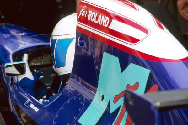 David Brabham (AUS), who retired from the race on lap 46 after colliding with Jean Alesi (FRA) Ferrari, carries a tribute on his Simtek S941 to former team mate Roland Ratzenberger (AUT), who was tragically killed at the previous GP. Monaco Grand Prix, Rd 4, Monte-Carlo, 15 May 1994.