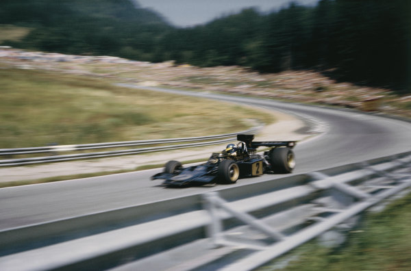Osterreichring, Austria. 19 October 1973. Ronnie Peterson (Lotus 72D-Ford Cosworth), 1st position, action.  World Copyright: LAT Photographic Ref: 73AUT06