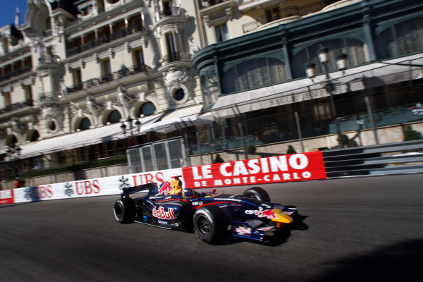 MONTE-CARLO, MONACO - 28 MAY 2011: Daniel Ricciardo (AUS), #3 ISR, during qualifying for round 4 of the Formula Renault 3 5 Series during the Grand Prix de Monaco. © 2011 Ronald Fleurbaaij / LAT Photographic