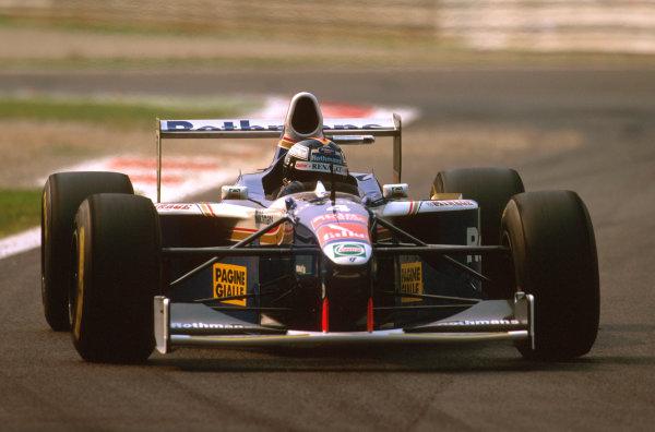 Monza, Italy.5-7 September 1997.Heinz-Harald Frentzen (Williams FW19 Renault) 3rd position.Ref-97 ITA 11.World Copyright - LAT Photographic