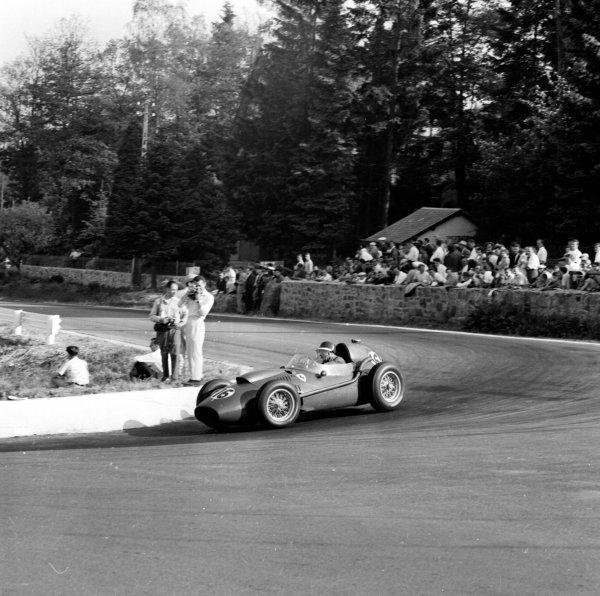 1958 Belgian Grand Prix. Spa-Francorchamps, Belgium. 13-15 June 1958. Mike Hawthorn (Ferrari Dino 246), 2nd position. Ref-2080. World Copyright - LAT Photographic