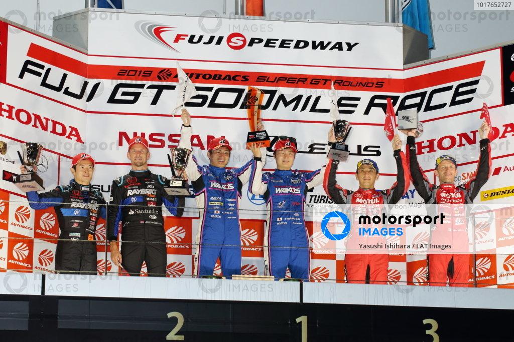GT500 Winners Kazuya Oshima & Kenta Yamashita, Lexus Team Le Mans Wako's 4CR Lexus LC500, celebrate on the podium, between Naoki Yamamoto & Jenson Button, Raybrig Team Kunimitsu Honda NSX-GT 500, 2nd, and Tsugio Matsuda & Ronnie Quintarelli, NISMO Nissan GT-R Nismo GT500, 3rd