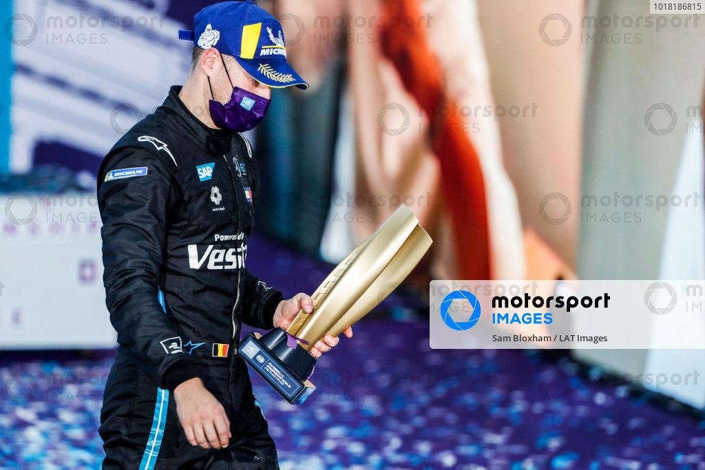 Stoffel Vandoorne (BEL), Mercedes Benz EQ, with his 2nd place championship trophy