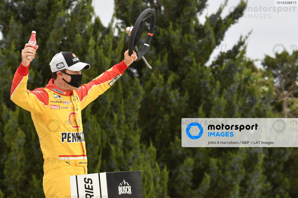 #22: Joey Logano, Team Penske, Ford Mustang Shell Pennzoil, celebrates after winning the Hollywood Casino 400