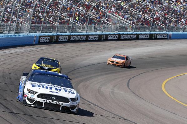 #38: David Ragan, Front Row Motorsports, Ford Mustang Select Blinds