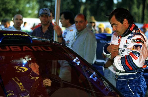 FIA World Rally ChampionshipPortuguese Rally, Porto, Portugal.16-19th March 2000.Richard Burns (Subaru) talks to Carlos Sainz. - Portrait.World - LAT PhotographicTel: +44 (0) 181 251 3000Fax: +44 (0) 181 251 3001e-mail: latdig@dial.pipex com