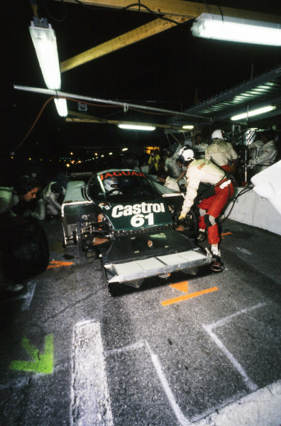 Price Cobb / John Nielsen / Andy Wallace / Jan Lammers, Tom Walkinshaw Racing, Jaguar XJR-9 D, makes a pitstop. The front assembly is removed.