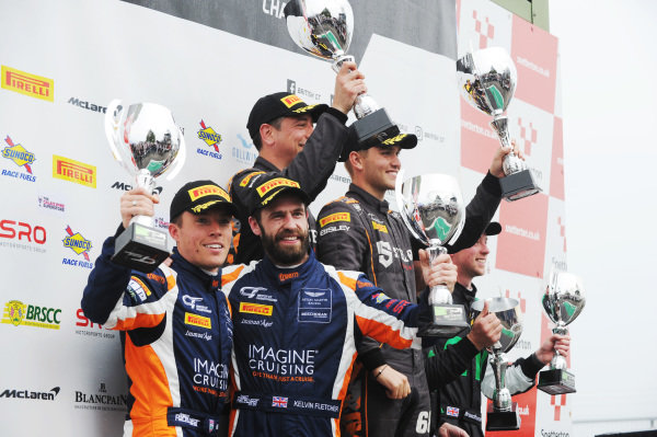 Race 2 GT4 Am Podium