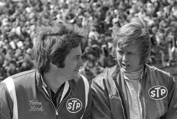 March designer Robin Herd(GBR) left, and Ronnie Peterson(SWE) Dutch GP, Zandvoort, 20 June 1971