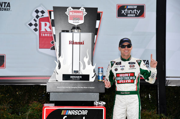 NASCAR Xfinity Series Rinnai 250 Atlanta Motor Speedway, Hampton, GA USA Saturday 24 February 2018 Kevin Harvick, Stewart-Haas Racing with Biagi-Denbeste Racing, Hunt Brothers Pizza Ford Mustang wins. World Copyright: Rusty Jarrett NKP / LAT Images