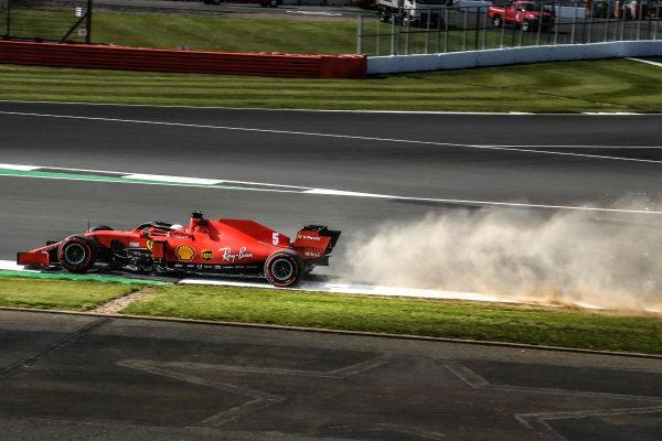 Sebastian Vettel, Ferrari SF1000 kicks up dust