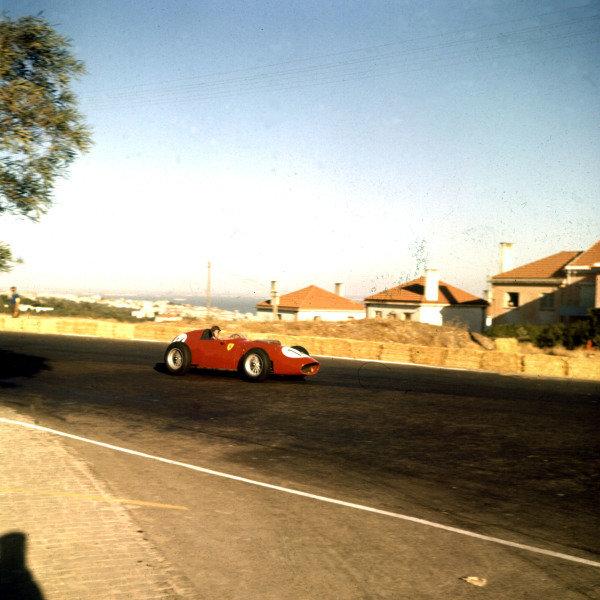 1959 Portuguese Grand Prix.Monsanto, Lisbon, Portugal.21-23 August 1959.Tony Brooks (Ferrari Dino 246) 9th position.Ref-3/0109.World Copyright - LAT Photographic