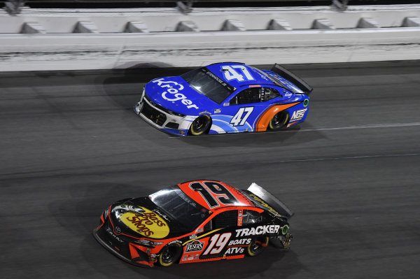 #19: Martin Truex Jr., Joe Gibbs Racing, Toyota Camry, #47: Ricky Stenhouse Jr., JTG Daugherty Racing, Chevrolet Camaro Kroger/NOS Energy Drink