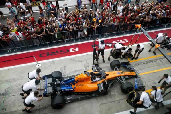 McLaren pit stop practice on the McLaren MCL34