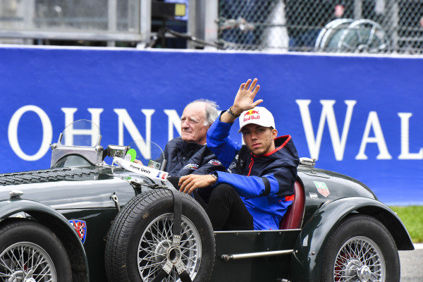Pierre Gasly, Toro Rosso, on the drivers' parade