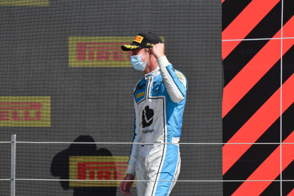 Richard Verschoor (NLD, MP Motorsport), 1st position, arrives on the podium
