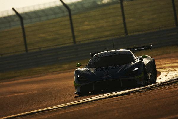 #68 Mark Crader / Alex Mortimer - Optimum Motorsport McLaren 720S GT3