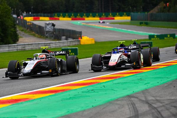 Luca Ghiotto (ITA, HITECH GRAND PRIX), leads Pedro Piquet (BRA, CHAROUZ RACING SYSTEM)