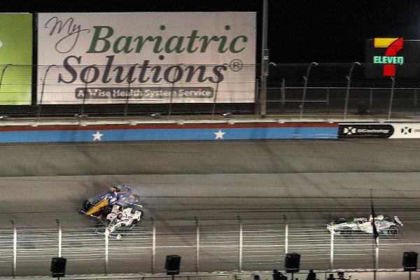 Scott Dixon, Chip Ganassi Racing Honda, Colton Herta, Harding Steinbrenner Racing Honda, crash