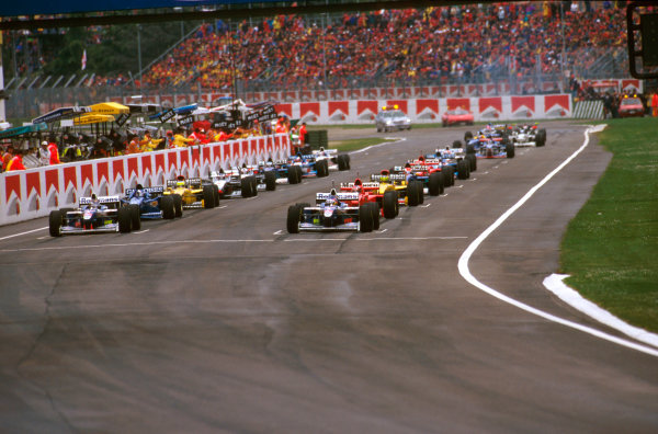 Imola, San Marino.25-27 APRIL 1997.The grid forms for the start with Jacques Villeneuve (Williams FW19 Renault) on pole, with teammate Heinz-Harald Frentzen (Williams FW19 Renault) to his right.Ref-97 SM 12.World  Copyright - LAT Photographic