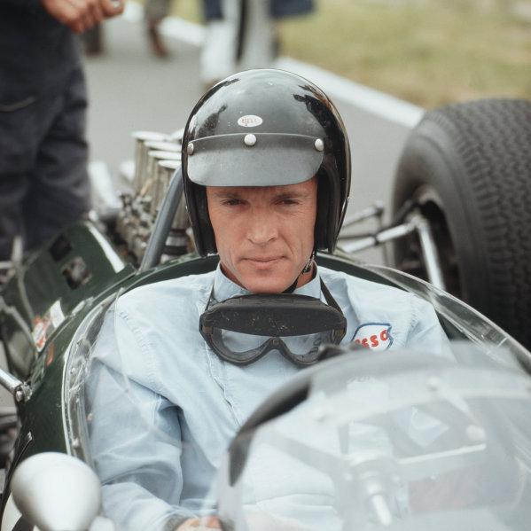 Brands Hatch, England.9-11 July 1964.Dan Gurney (Brabham Racing).Ref-3/1327.World Copyright - LAT Photographic