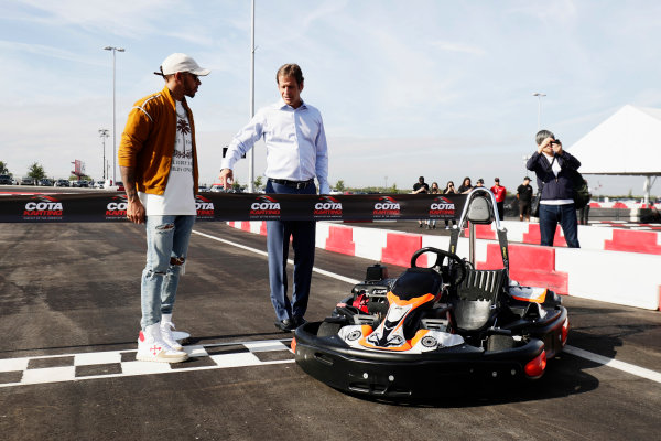 Circuit of the Americas, Austin, Texas, United States of America. Thursday 19 October 2017. Lewis Hamilton, Mercedes AMG, opens the kart track with Bobby Epstein, COTA chairman. World Copyright: Zak Mauger/LAT Images  ref: Digital Image _56I8178