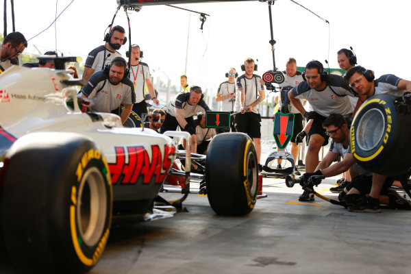 Hungaroring, Budapest, Hungary. Thursday 21 July 2016. The Haas F1 team practise pit stops. World Copyright: Andrew Hone/LAT Photographic ref: Digital Image _ONY0298