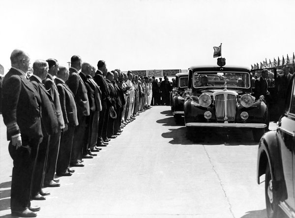 1950 British Grand Prix.Silverstone, Great Britain. 13th May 1950.The royal family arrive to meet the drivers.World Copyright: LAT Photographicref: B&W Print