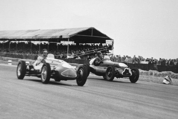 1951 British Grand Prix.Silverstone, Great Britain. 14 July 1951.Joe Kelly (Alta GP) and Brian Shawe-Taylor (ERA B-type, number 9). Ref-C29868.World Copyright - LAT Photographic
