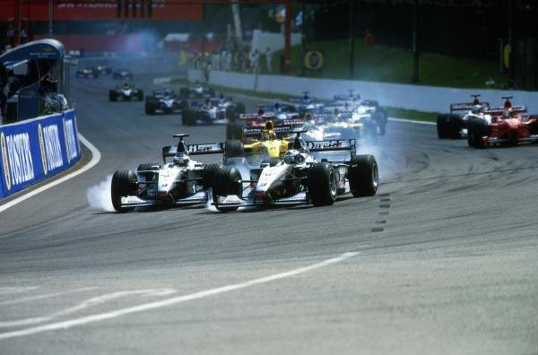 Start, Coulthard, right and Hakkinen attempt to outbrake each other Belgian GP, Spa, 29 August 1999