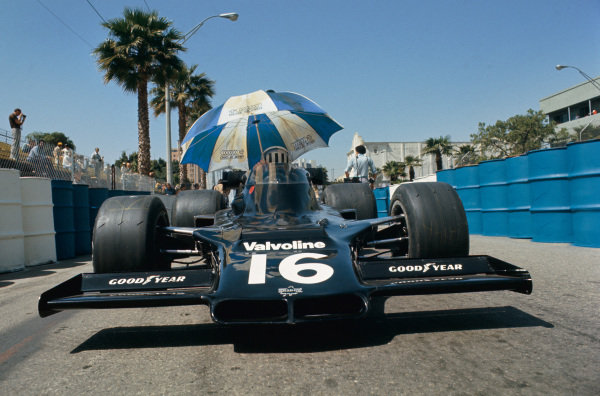 Long Beach, California, USA. 26th - 28th March 1976. Tom Pryce (Shadow DN5B-Ford), retired, in the pit lane, action.  World Copyright: LAT Photographic.  Ref: 76LB35.