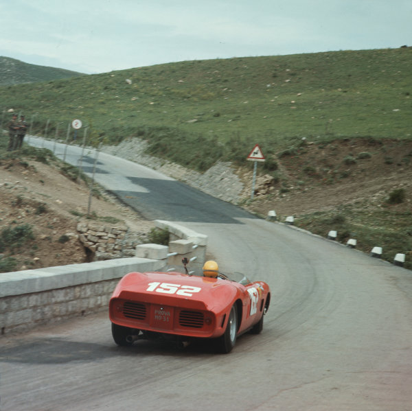 Little Madonie Circuit, Sicily, Italy. 6th May 1962. Rd 5.Willy Mairesse/Ricardo Rodriguez/Olivier Gendebien (Ferrari Dino 246SP), 1st position, action. World Copyright: LAT Photographic.Ref: 428.