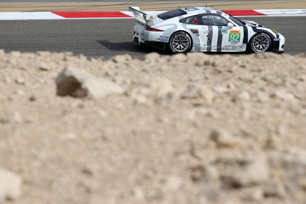 2015 FIA World Endurance Championship, Bahrain International Circuit, Bahrain. 19th - 21st November 2015. Patrick Pilet / Frederic Makowiecki Porsche Team Manthey Porsche 911 RSR. World Copyright: Jakob Ebrey / LAT Photographic.