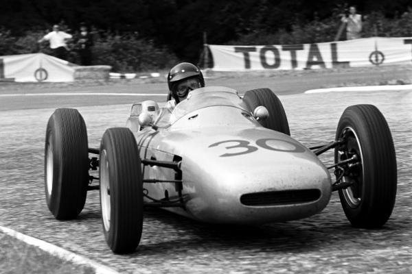 Dan Gurney (USA) Porsche 804 took his first Grand Prix victory and the first for manufacturer Porsche. French Grand Prix, Rouen-les-Essarts, 8 July 1962.