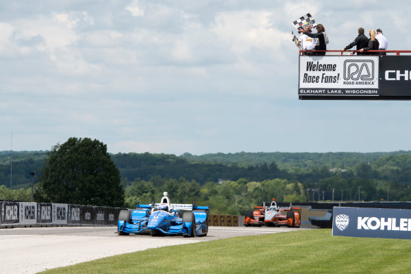 Verizon IndyCar Series Kohler Grand Prix Road America, Elkhart Lake, WI USA Sunday 25 June 2017 Scott Dixon, Chip Ganassi Racing Teams Honda winner checkered flag World Copyright: Geoffrey M. Miller LAT Images