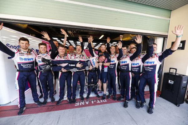 Racing Point mechanics in end of season spirits