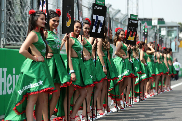 Grid girls at Formula One World Championship, Rd18, Mexican Grand Prix, Race, Circuit Hermanos Rodriguez, Mexico City, Mexico, Sunday 29 October 2017.