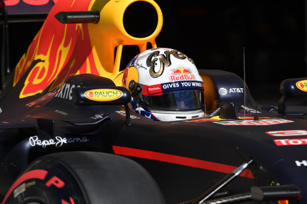 Daniel Ricciardo (AUS) Red Bull Racing RB12 at Formula One World Championship, Rd18, United States Grand Prix, Qualifying, Circuit of the Americas, Austin, Texas, USA, Saturday 22 October 2016.