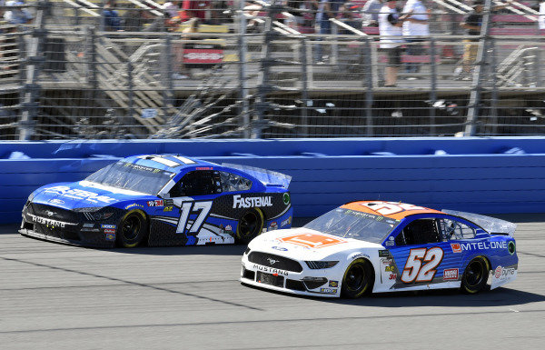 #17: Ricky Stenhouse Jr., Roush Fenway Racing, Ford Mustang Fastenal and #52: B.J. McLeod, Rick Ware Racing, Chevrolet Camaro Mtel-One