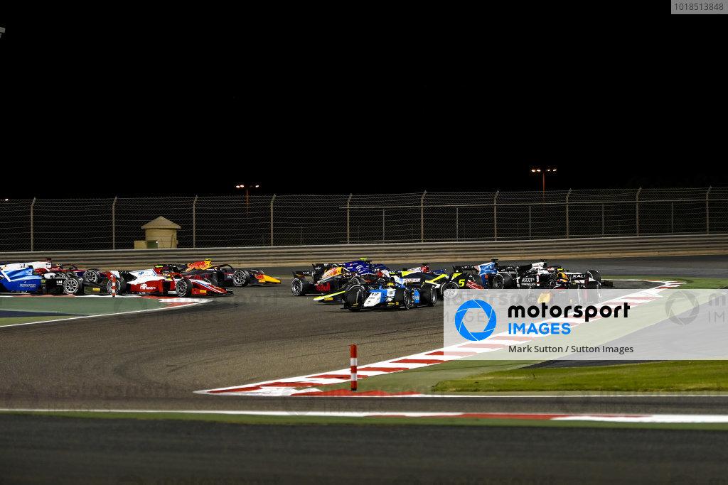Juri Vips (EST, Hitech Grand Prix), leads Lirim Zendeli (DEU, MP Motorsport), as Dan Ticktum (GBR, Carlin), spins on the opening lap