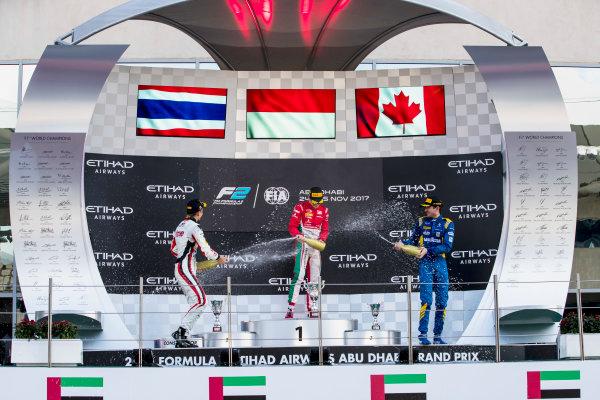 2017 FIA Formula 2 Round 11. Yas Marina Circuit, Abu Dhabi, United Arab Emirates. Sunday 26 November 2017. Alexander Albon (THA, ART Grand Prix), Charles Leclerc (MCO, PREMA Racing), Nicholas Latifi (CAN, DAMS).  Photo: Zak Mauger/FIA Formula 2. ref: Digital Image _56I2549