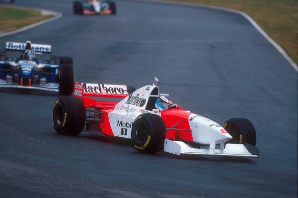 Suzuka, Japan.27-29 October 1995.Mika Hakkinen (McLaren MP4/10B Mercedes) 2nd position.Ref-95 JAP 09.World Copyright - LAT Photographic