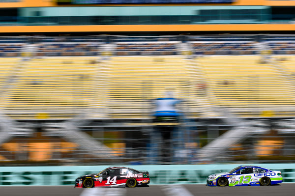 Monster Energy NASCAR Cup Series Ford EcoBoost 400 Homestead-Miami Speedway, Homestead, FL USA Saturday 18 November 2017 Clint Bowyer, Stewart-Haas Racing, Haas Automation Ford Fusion and Ty Dillon, Germain Racing, GEICO Chevrolet SS World Copyright: Nigel Kinrade LAT Images