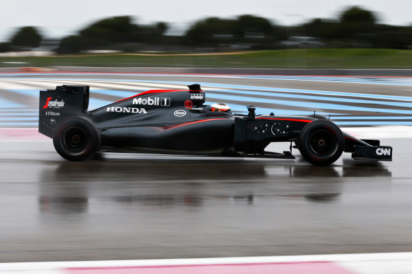 Paul Ricard, France. Monday 25 January 2016. Stoffel Vandoorne, McLaren MP4-30 Honda. World Copyright: Steven Tee/LAT Photographic ref: Digital Image _X0W7370