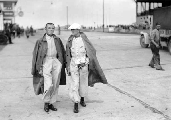 1936 Eifelrennen.Nurburgring, Germany. 14 June 1936.Achille Varzi, Auto Union, and Louis Chiron, Mercedes-Benz.World Copyright - Robert Fellowes/LAT Photographic