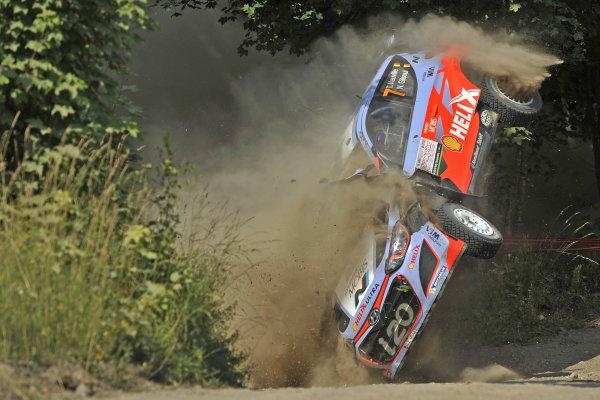 Thierry Neuville (BEL) / Nicolas Gilsoul (BEL) Hyundai i20 WRC crashes at FIA World Rally Championship, Rd7, Lotos 71st Rally Poland, Day Three, Mikolajki, Poland, Sunday 5 July 2015.