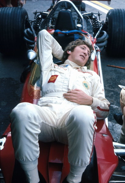 In the final Grand Prix of the 1960Õs Jochen Rindt (AUT) finds time to lay back and relax on his Lotus 49B.