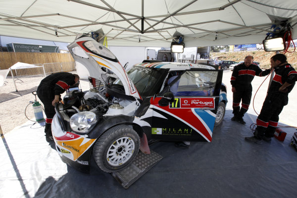 Round 03-Rally Portugal. 23th-27th March 2011.Armindo Araujo, Mini S2000, Service.Worldwide Copyright: McKlein/LAT