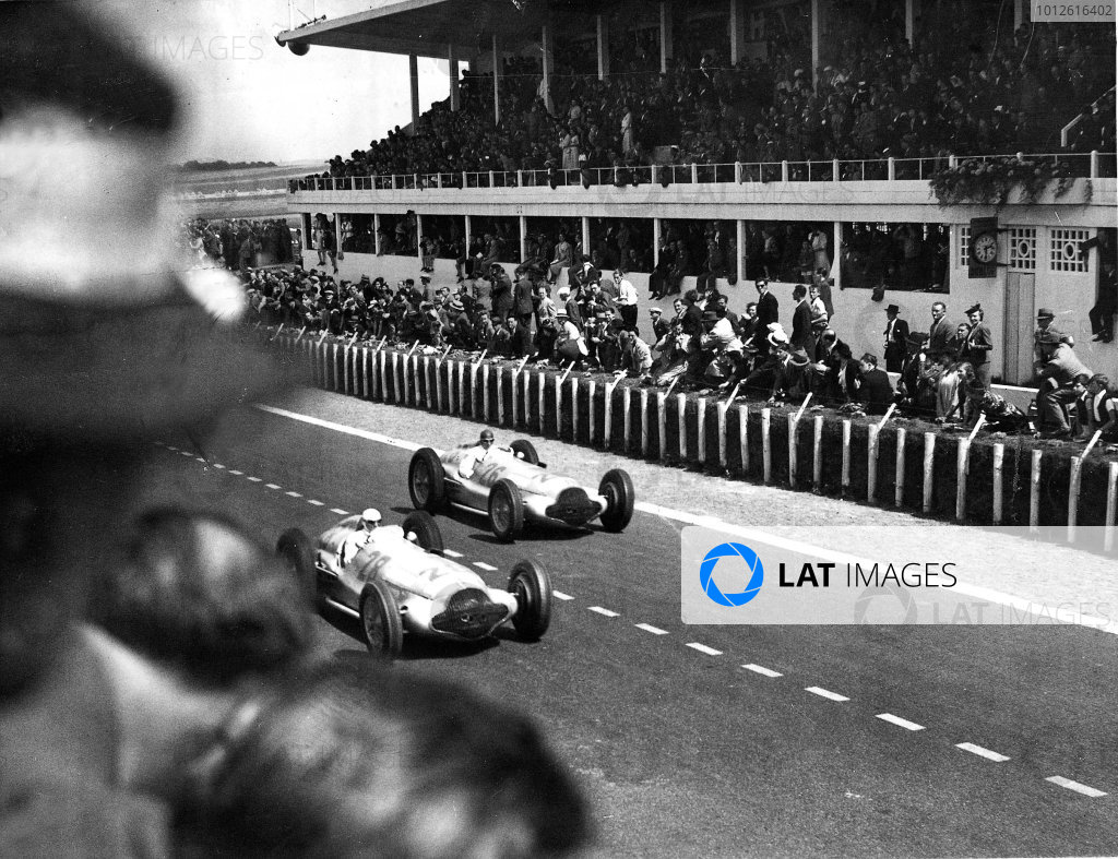 Reims-Gueux, France.3 July 1938.Hermann Lang leads Manfred von Brauchitsch (Mercedes-Benz W154) past the pits. They finished in 3rd and 1st positions respectively.Published-Autocar 8/7/1938 p76.World Copyright - LAT Photographic